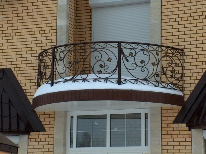 Какие могут быть ограждения для балконов