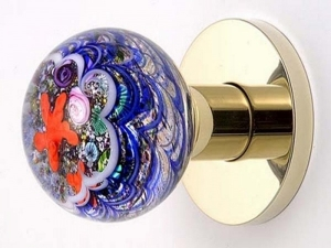 Установка ручки на межкомнатную дверь