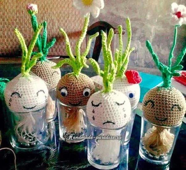 Амигуруми. Выращивание лука на подоконнике в фото