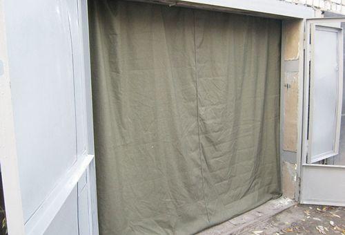Как подобрать утепленные шторы на ворота гаража в фото