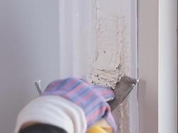 Как снять краску с деревянной двери? в фото