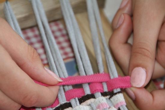Коврик крючком из старых вещей: схема с подробным описанием, мастер-класс по вязанию своими руками в фото