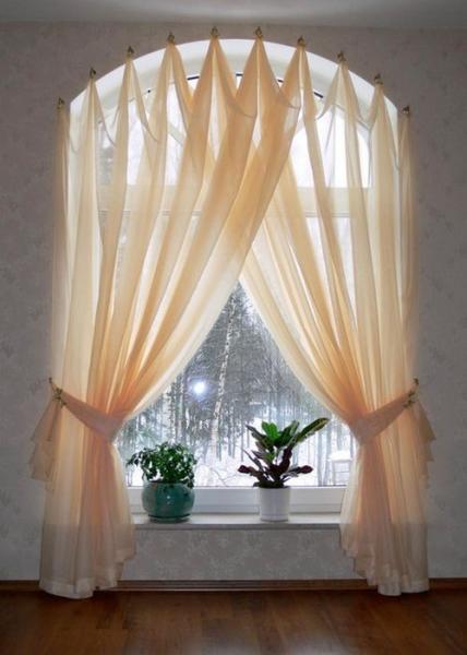 Подбираем шторы на полукруглое окно в фото