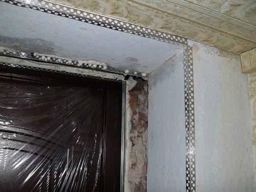 Штукатурка дверных откосов: особенности и нюансы (видео) в фото