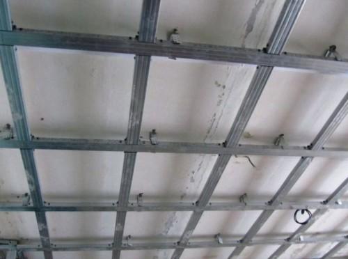 Установка подсветки в гипсокартонном потолке в фото