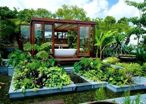 Ванная комната в саду в фото