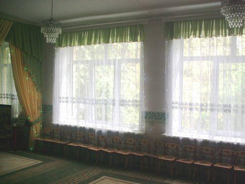 Выбираем веселые шторы для детского сада в фото