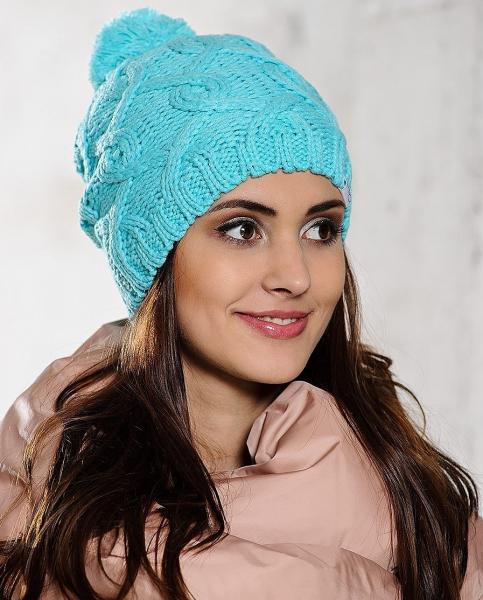 Женская шапка спицами для начинающих на весну со схемами и видео в фото