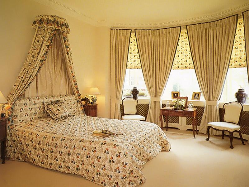 Фото Шторы для спальни в классическом стиле