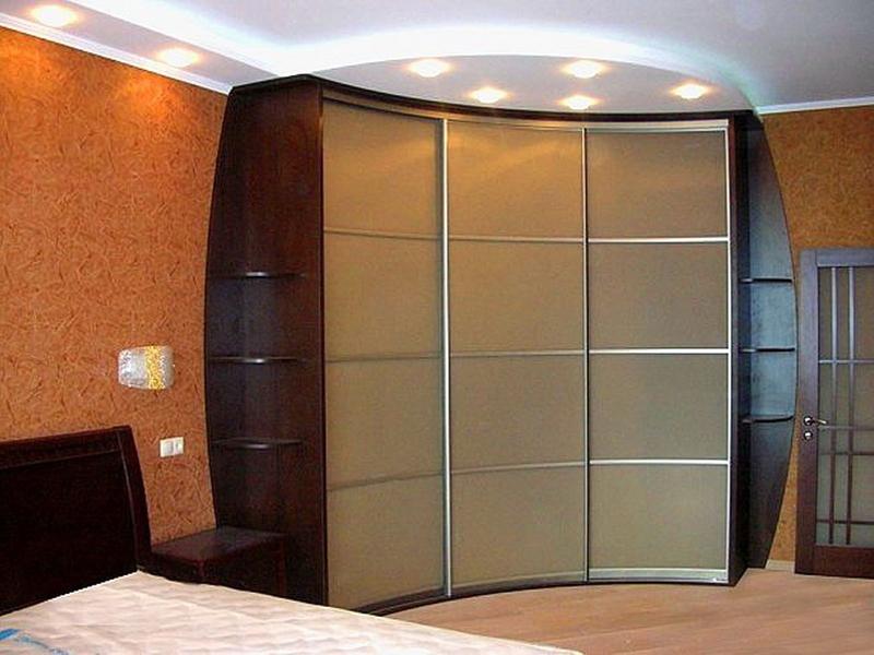фото Встроенный шкаф купе для спальни