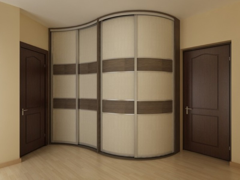 фото Встроенный шкаф-купе в спальне радиусного типа