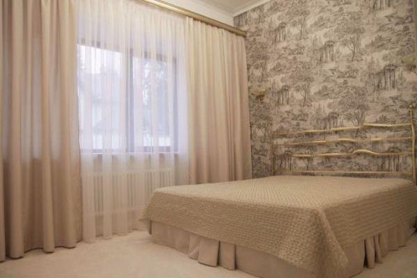 Фото Тюль для спальни в оливковых цветах