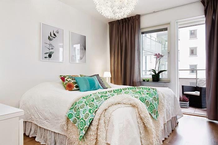 фото Спальня с темными шторами