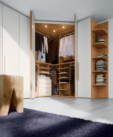 Фото Шкаф-купе для хранения вещей в спальне