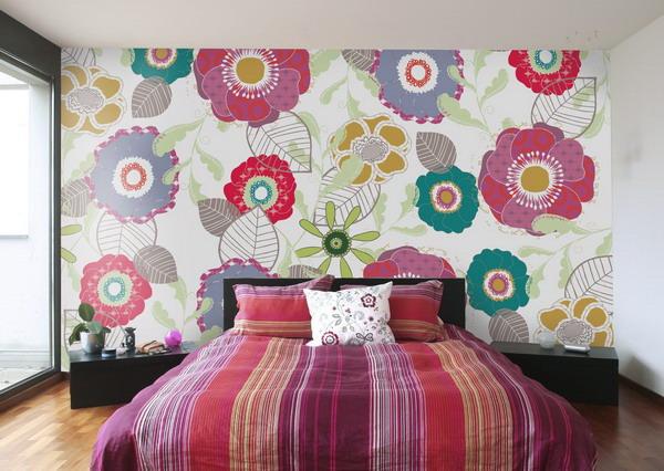 фото Цветочные фотообои в спальне