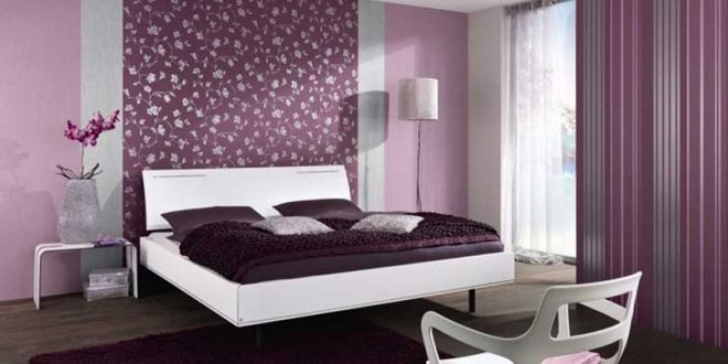 47 идей о том как комбинировать обои в спальне 19562 | purple bedroom decor for master bedroom design with purple wall paint color plus purple floral wallpaper design combined with purple curtain panel and purple bed cover on modern bed furniture 660x330