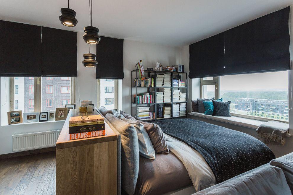 фото Римские шторы черного цвета в современной спальне