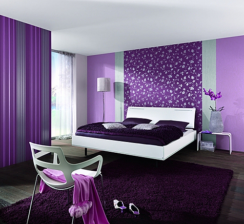 Фото Фиолетовые комбинированные обои для спальни