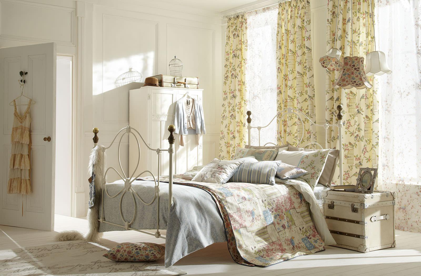 фото Занавески в спальне в стиле Шебби-ши
