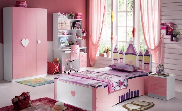 фото Спальное место в девичьей комнате