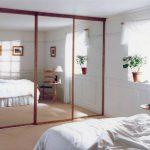 mirrored-sliding-wardrobe-doors