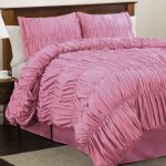 pink-ruffle-bedspreads-ideas-for-bedroom