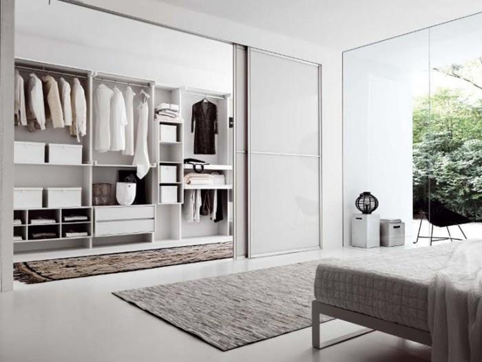 фото Встроенный шкаф-купе в спальне, пример 2