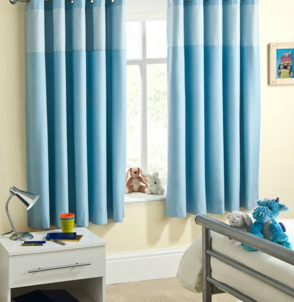 Фото Голубые шторы для спальни