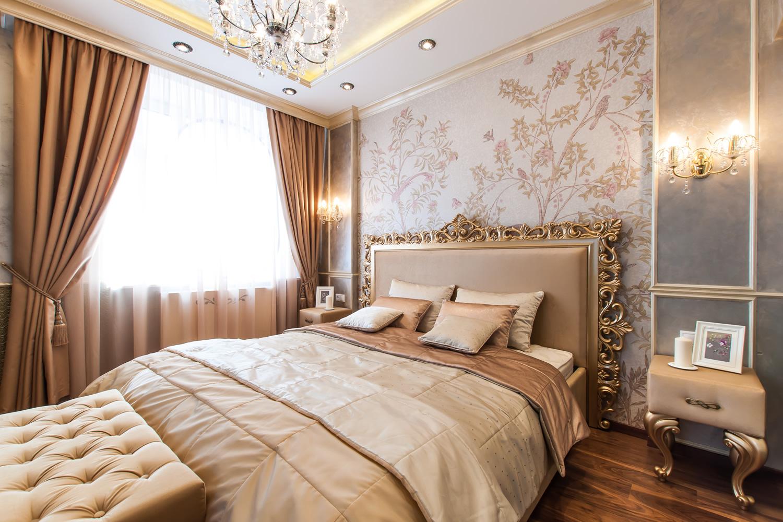 Фото Обои в спальне в классическом стиле