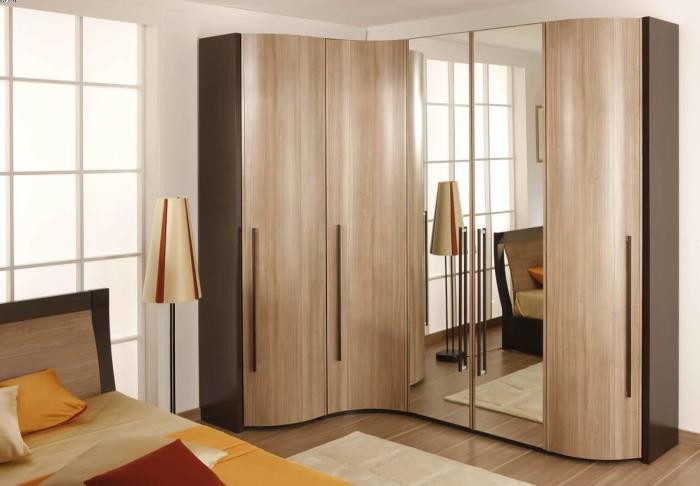 Фото Угловой шкаф-купе в спальню, пример 6