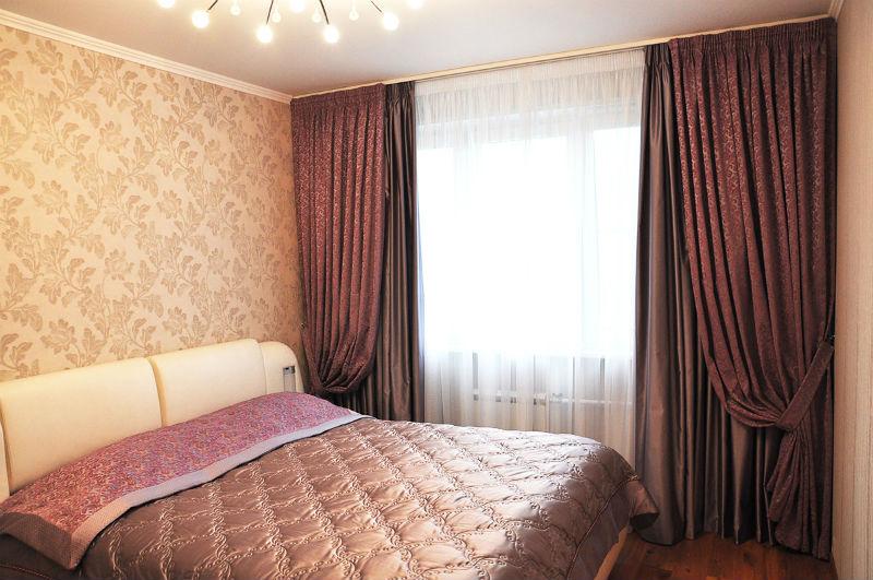 фото Занавески в спальню в аглийском стиле