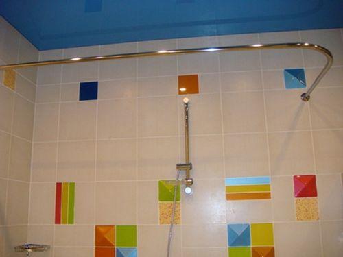 Как сделать угловую шторку в ванной