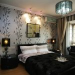 спальня в черных тонах с комбинированными обоями