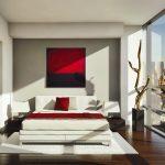 спальня в стиле минимализм с красными оттенками декора