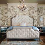 кровать в классическом стиле с высоким изголовьем с синим декором