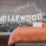 фотообои над кроватью - Голливуд