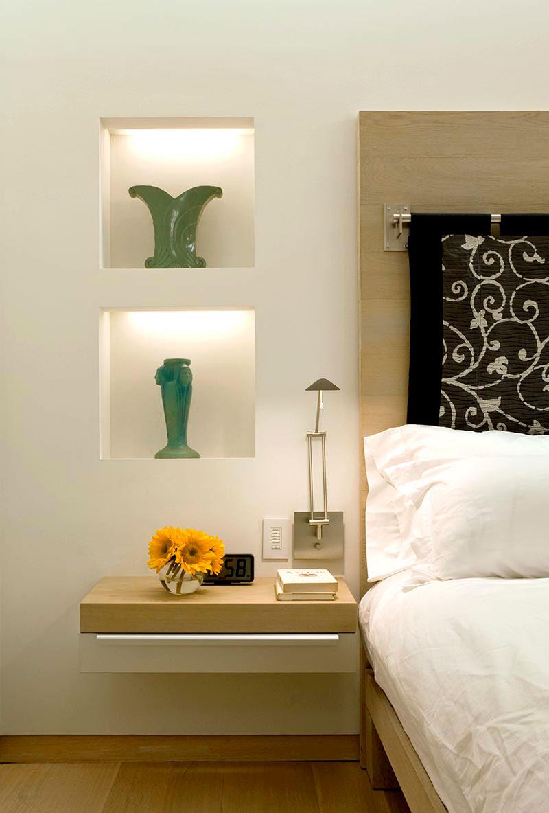 прикроватные полки и ниши в стене