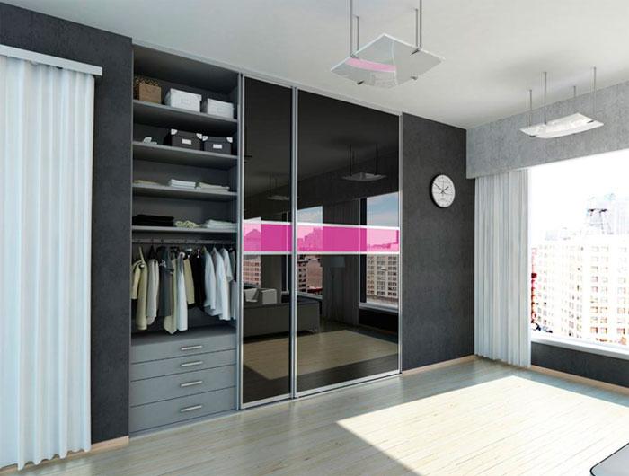 шкаф-купе во всю стену до потолка с зеркалами