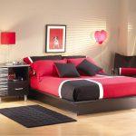 спальня для влюбленных в красно-черных оттенках