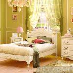 спальня прованс фисташкового оттенка