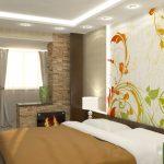 спальня, объединенная с лоджией, росписная стена у изголовья кровати
