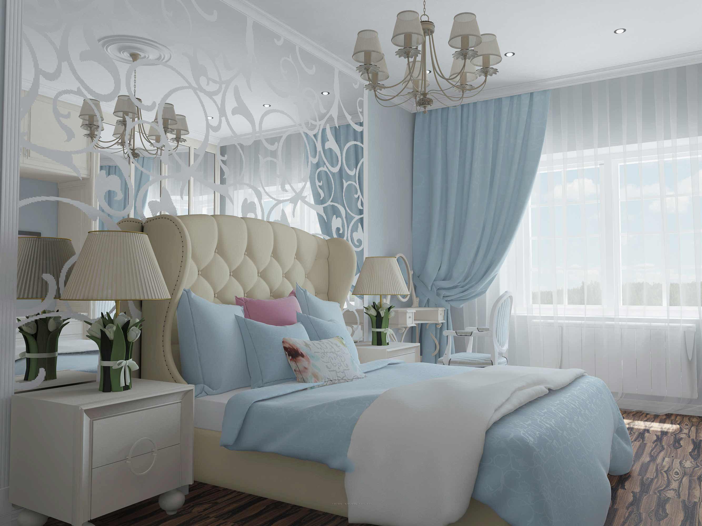 спальня в нежных тонах с кроватью с высоким изголовьем и голубыми занавесками