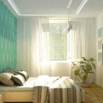 светлая спальня с бирюзовой стеной