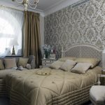 светлая спальня в стиле ампир