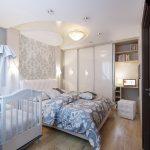 дизайн интерьера спальни с детской белые тона