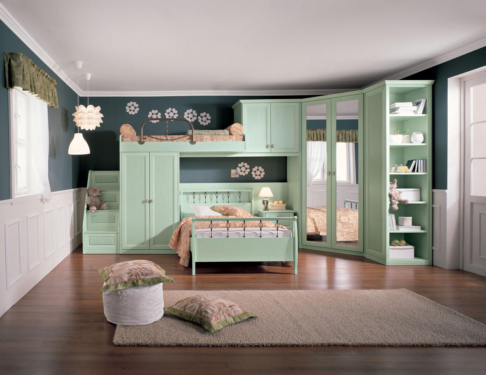 интерьер спальни для детей в светло-зеленых тонах