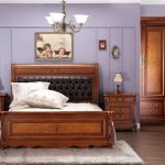 интерьер спальни классический стиль с деревянной мебелью