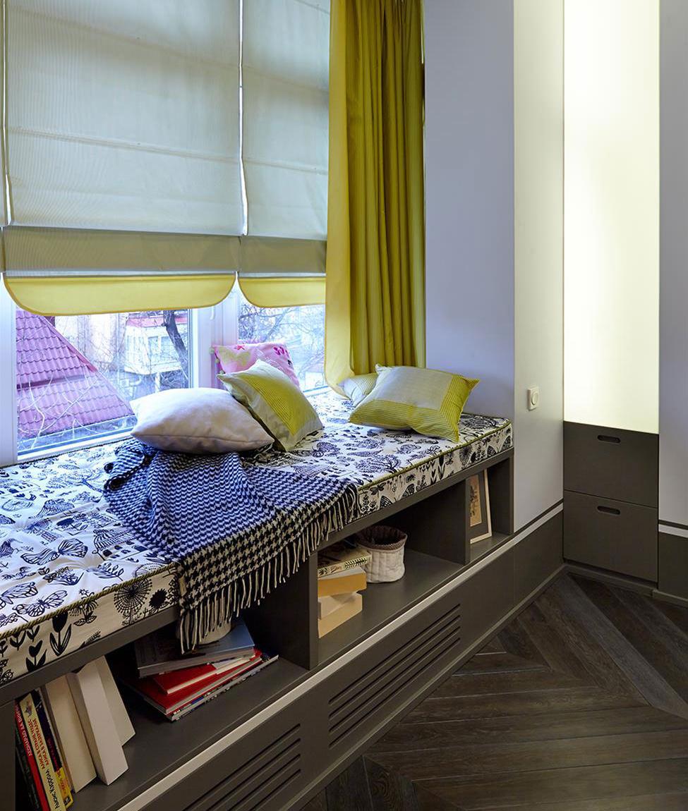 подоконник скамья с подушками