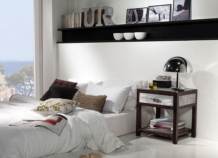 прикроватный столик тумбочка в интерьере спални