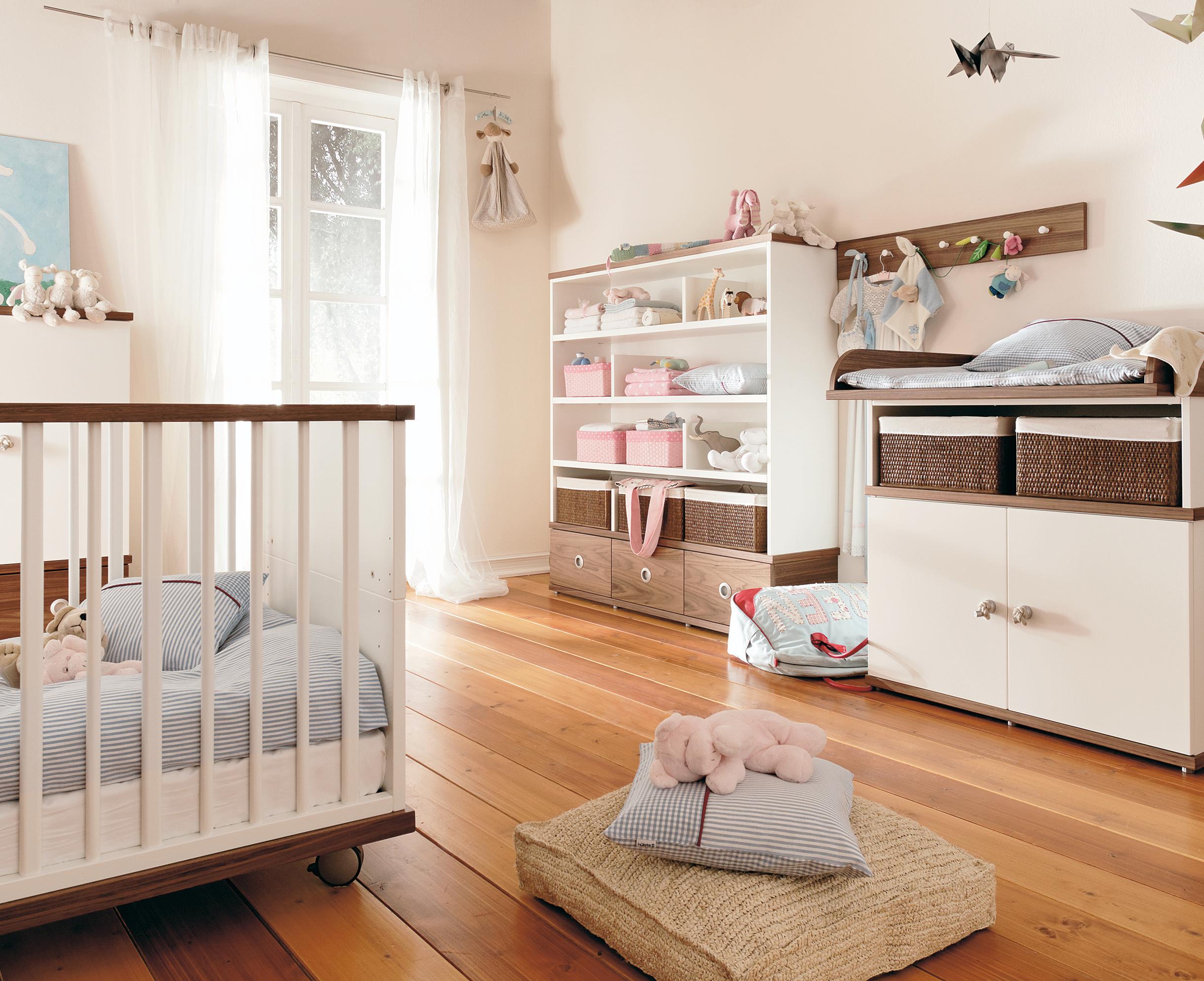 спальня для малыша пастельных оттенков